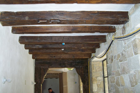 European Reclaimed antique wood beams - Wood Beams Reclaimed Materials